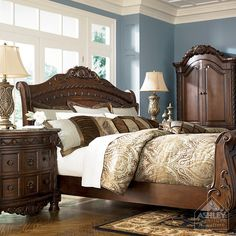 Old World Bedroom Set - by Ashley Furniture. I love this bedroom set Bedroom Furniture Sets, Bedroom Sets, Home Furniture, Bedroom Decor, Master Bedrooms, Italian Furniture, Bedroom Office, Blue Bedroom, Online Furniture