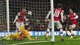Arsenal 1-3 Bayern   Thomas Müller hizo el segundo gol del Bayern en el minuto 21. [19.02.13]