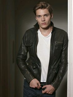 The new Jace Herondale: Dominic Sherwood