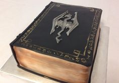 If you're prone to voraciously devouring books, then this Skyrim Book Cake made by the wife of reddit user Bacongrease00 is for you.
