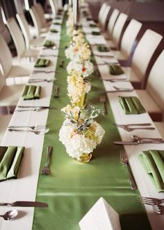 Love this art deco style wedding with green wedding table runner and low centerpieces by The French Bouquet! Photo by Kevin Paul Photography. #wedding #green #decor