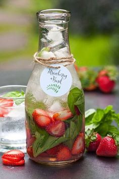 "20 Infused Water ""Recipes"" Strawberry basil: www.stylemepretty… – Cocktails and Pretty Drinks Infused Water Recipes, Fruit Infused Water, Fruit Water, Fresh Fruit, Refreshing Drinks, Yummy Drinks, Healthy Drinks, Healthy Water, Healthy Foods"