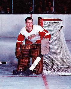 Roger Crozier - Red Wings Women's Hockey, Hockey Games, Rare Baseball Cards, Red Wings Hockey, Goalie Mask, Star Wars, Detroit Pistons, Montreal Canadiens, Great Team