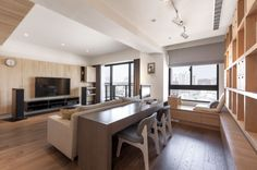 It's a perfect choice for an apartment with plenty of natural sunlight.