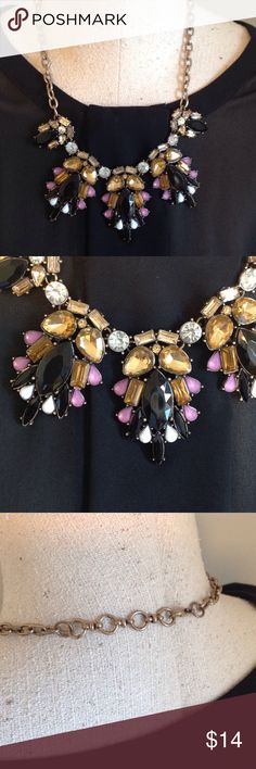 ❤️Beautiful Statement Necklace. Really pretty colors!  The dark stones could pass for black or deep plum,amber, clear,pink.  The chain is not a brassy gold but more of antique gold Jewelry Necklaces