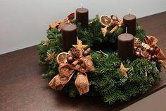 Weihnachtliche Bastelideen | UmfragenVergleich Österreich Christmas Advent Wreath, Christmas Crafts, Advent Wreaths, Christmas Ideas, Door Wreaths, Advent Calendar, Stuff To Do, Gift Wrapping, Table Decorations