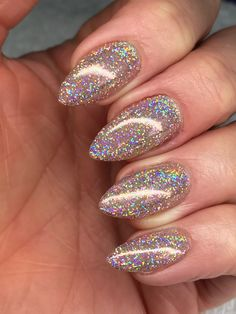 Lecenté Champagne Super Holo nails by Jenny Nagorski Cute Nails, Pretty Nails, Pretty Makeup, Hair And Nails, My Nails, Champagne Nails, Luxury Nails, Manicure E Pedicure, Prom Nails