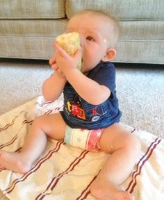 A different approach to feeding: Baby-Led Weaning. {Your child is smarter than you think!} via @Kate Wilkinson | @Right Start Blog #BLW #baby #feeding