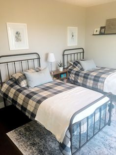 Matching twin farmhouse beds and vintage style rug. Perfect for a shared boys room. Guest Bedroom Decor, Home Bedroom, Master Bedroom, Guest Room, Guest Bedrooms, Bedroom Ideas, Twin Beds For Boys, Twin Bedroom Sets, Bedroom Layouts
