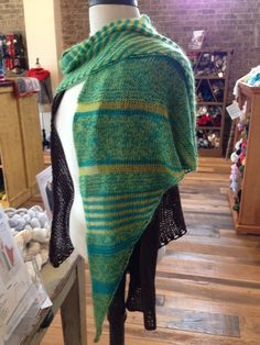 Window Shopping in Suzanne's version! http://www.ravelry.com/patterns/library/window-shopping