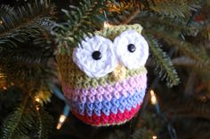 Definitely making this little crochet owl ornament in Christmas colors