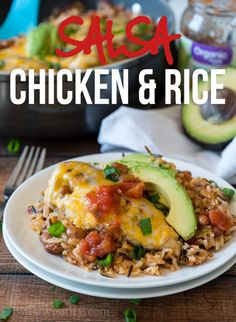 My family went nuts for this Salsa Chicken Rice Skillet! Fresh organic ingredients and a complete meal that was ready in less than 30 minutes! Chicken Rice Skillet, Lemon Chicken Rice, Salsa Chicken, Mild Salsa, Cgi, Mexican Food Recipes, Dinner Recipes, Ethnic Recipes, Mexican Dishes