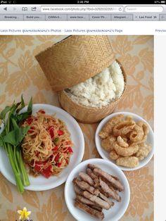 Papaya salad, crispy pork with sticky rice. Thai Recipes, Asian Recipes, Laos Recipes, Asian Foods, Laos Food, Colani, Infused Water Recipes, Crispy Pork, Food Porn