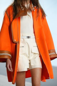Hermès Spring Summer 2019 Ready To Wear Hermès Spring Summer 2019 Ready To Wear See All The Details Photos From Hermès Spring Summer 2019 Ready To Wear Now On British Vogue Hermes Fashion Mode, Couture Fashion, Runway Fashion, High Fashion, Fashion Show, Fashion Outfits, Womens Fashion, Fashion Design, Fashion Trends