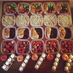 Hopefully you've prepped for the week! Tag us if you did (PC: unknown tag or DM us) Easy Healthy Recipes, Healthy Choices, Healthy Snacks, Healthy Eating, Health Meal Prep, Meal Prep Plans, Boite A Lunch, Lunch Meal Prep, Diet And Nutrition