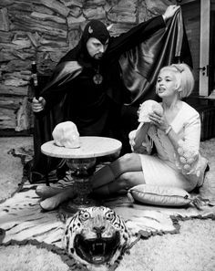 Actress Jayne Mansfield and Church of Satan founder Anton LaVey in San Francisco, 1967 - Cliff Fitzroy Jayne Mansfield, The Satanic Bible, Satanic Art, Sharon Tate, Frank Zappa, John Lennon, Dark Side, Beatles, Heavy Metal
