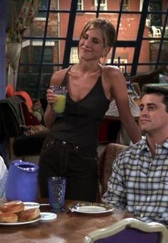 Rachel Green's Best 'Friends' Outfits Rachel Green's Best 'Friends' Outfits,fashion. A look back at Rachel Green's most iconic outfits on 'Friends'—since Jennifer Anniston's character may have been one of the defining on-screen fashion icons. Mode Rachel Green, Style Rachel Green, Rachel Green Friends, Rachel Green Outfits, Rachel From Friends Outfits, Rachel Green Fashion, Jennifer Aniston Style, Jenifer Aniston, Jennifer Aniston Friends