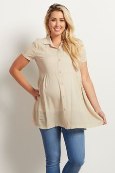 This chic maternity top is the perfect piece for an always put together look. A collared short sleeve blouse with slight cinching under the bust for a feminine touch. Style this top with maternity jeans and boots for a complete ensemble.