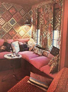 70s Home Decor, Vintage Home Decor, 1970s Decor, Matching Wallpaper And Curtains, Interior Bohemio, Living Colors, Bohemian Interior Design, Bohemian Decor, Boho Home