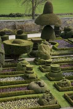 Levens Hall, Cumbria. Photo by Rachel Warne, Gardens Illustrated April 2010