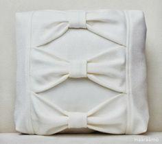 Kolmen rusetin tyyny