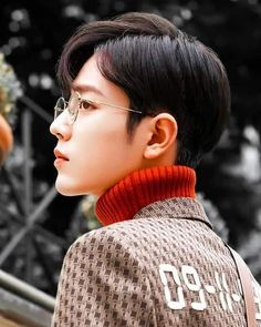 Yang Yang Actor, Boyfriend Photos, Cute Korean Boys, Cute Teenage Boys, Photography Poses For Men, Kdrama Actors, Cute Actors, Chinese Boy, Handsome Boys