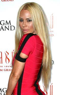 Jenna Jamesons super-long hairstyle