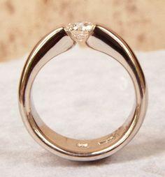 2 carat engagement ring Carat Canadian Diamond Tension set in Hand Forged Hand Tension Ring, Beautiful Diamond Rings, Canadian Diamonds, Do It Yourself Fashion, Platinum Engagement Rings, Ring Verlobung, 2 Carat, Ring Designs, Gold Rings