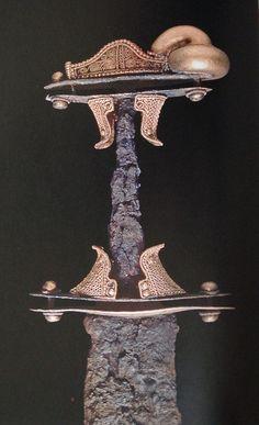 """Sword from Nocera Umbra, grave 23, 7th century (picture from the book """"Die Langobarden. Das Ende der Völkerwanderung"""")"""