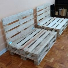 Back Pallet Sofa: 30 How-To Ideas - Armchair Ideas Pallet Garden Furniture, Diy Pallet Sofa, Diy Pallet Projects, Diy Furniture, Pallet Ideas, Lounge Furniture, Quality Furniture, Furniture Makeover, Outdoor Furniture