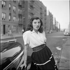 bigcityvintagenyc:  Woman leaning against a car in NYC, Stanley Kubrick for LOOK Magazine, 1946.  Notice the SASSY expression ;) retrogirly