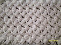 Bean Stitch Link to tutorial: http://notyouraveragecrochet.wordpress.com/tutorials/how-tos/stitch-variations/bean-stitch/