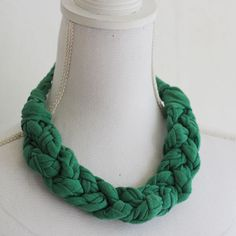 Lana Red: Upcycling old shirts into a braided necklace