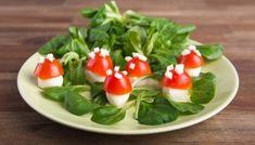 Silvester Deko Essen Foodie Fliegenpilz Mozzarella Tomaten Salat