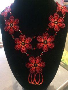 Мир биссера Native American Beadwork, Bead Jewellery, Beaded Necklaces, Jewelry Making, Jewels, Creative, Decor, Long Beaded Necklaces, Bijoux