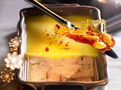 Avec les lectrices reporter de Femme Actuelle, découvrez les recettes de cuisine des internautes : Foie gras de canard aux baies roses