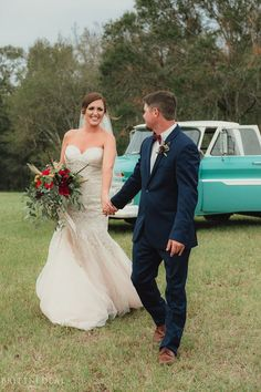 Picture perfect fall Southern wedding!