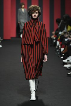 Bourie Seoul Fall 2017 Collection Photos - Vogue