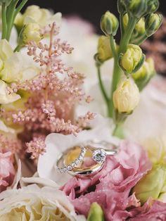 Gorgeous wedding in Toronto at Arcadian Loft with photography by Lisa Mark Photography.