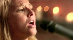 Lissie - Go Your Own Way (Live) (+playlist)