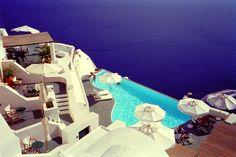 Piscina del resort di lusso Katikies in Grecia