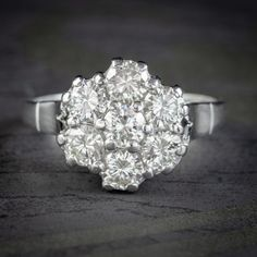 VINTAGE DIAMOND CLUSTER RING 18CT WHITE GOLD 2.10CT OF DIAMOND DATED 1977 front