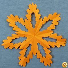 Schneeflocken aus Papier basteln- Anleitung-dekoking-com-12