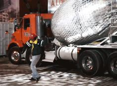 since its first display in france, the giant disco ball vehicle has popped-up across the world, creating an impromptu dance floor on the streets of montreal.