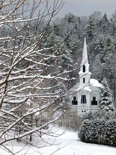 Country Church - Winter in Plainfield, Vermont. Old Country Churches, Old Churches, Winter Szenen, Vermont Winter, Take Me To Church, Cathedral Church, Church Building, Snow Scenes, Chapelle