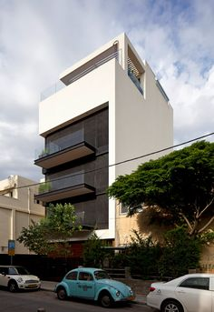 Пятиэтажный частный дом с бассейном в Тель Авиве