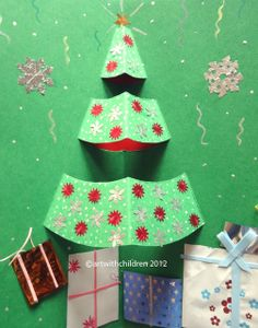 Art with Children: Christmas crafts - Christmas tree pop up card