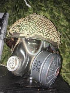 101st airborne helmet found in the vensestraat Veghel.  With M5 assault gasmask left behind at the family van Erp sluisstraat.
