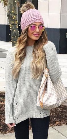 Cute sweater, hat and bag