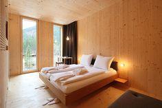 Oskar Leo Kaufmann & Albert Rüf - The prefabricated Ammerwald Alpenhotel, Tyrol 2011. Via, 2, photos (C) Adolf Bereuter